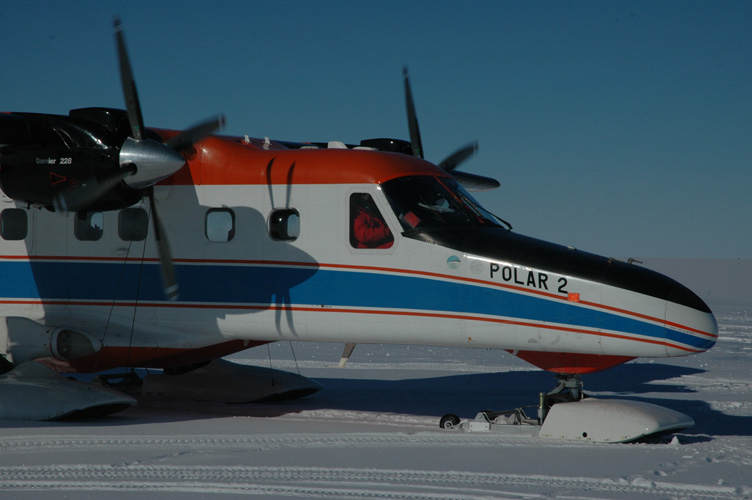 Polar 2 lands at Halley