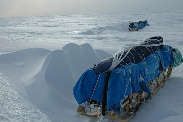 Windtails on Nansen sledges