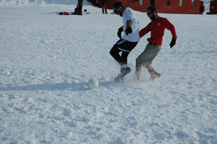A snowy tackle